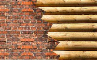 Умная комбинация: кирпич и древесина в изгороди