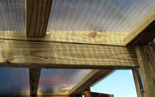 Особенности правильного крепления поликарбоната на деревянном каркасе