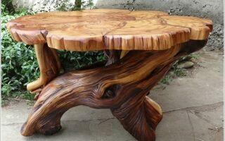 Стол из деревянных спилов собственноручно