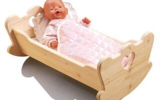 Как сделать кукольную деревянную кровать