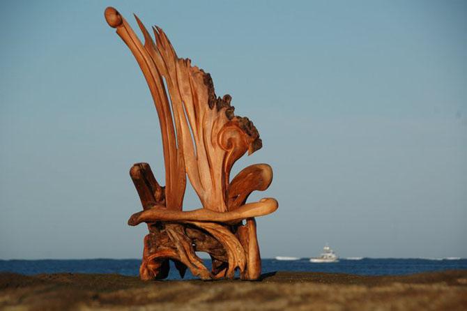 деревянный трон