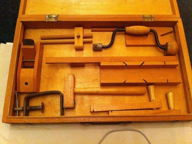 Инструмент для сборки стульев