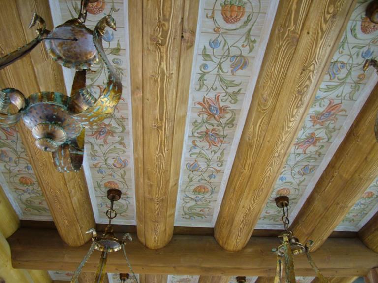 оформление деревянных потолков
