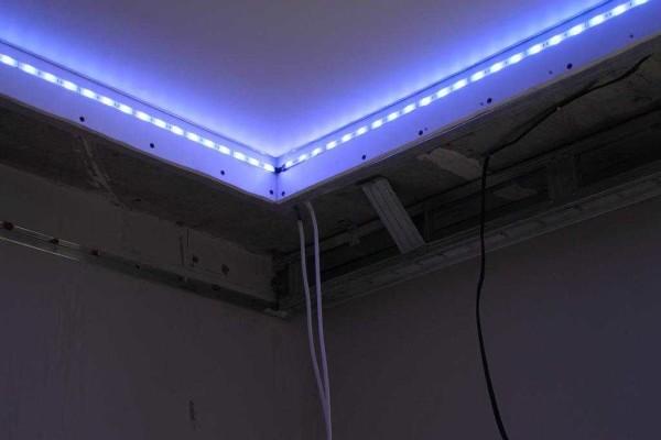 монтаж светящийся потолка