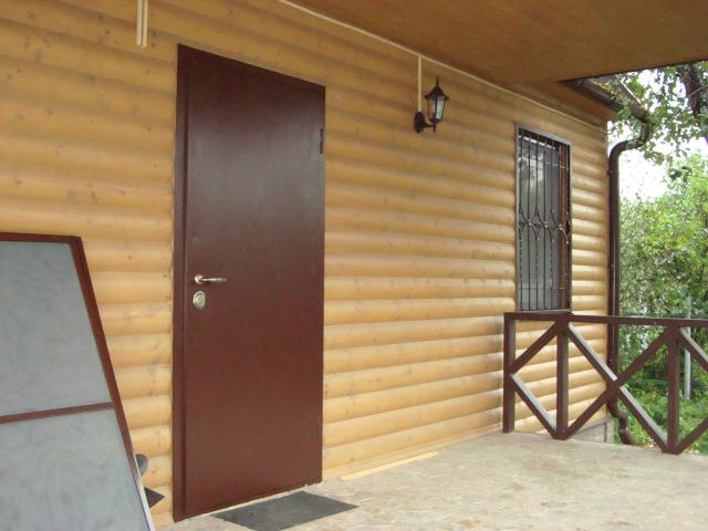 установка дверей металлических на даче