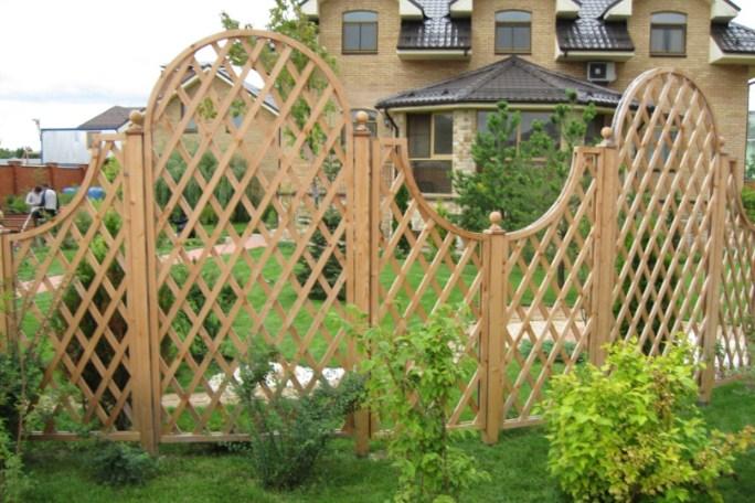 арка садовая из дерева