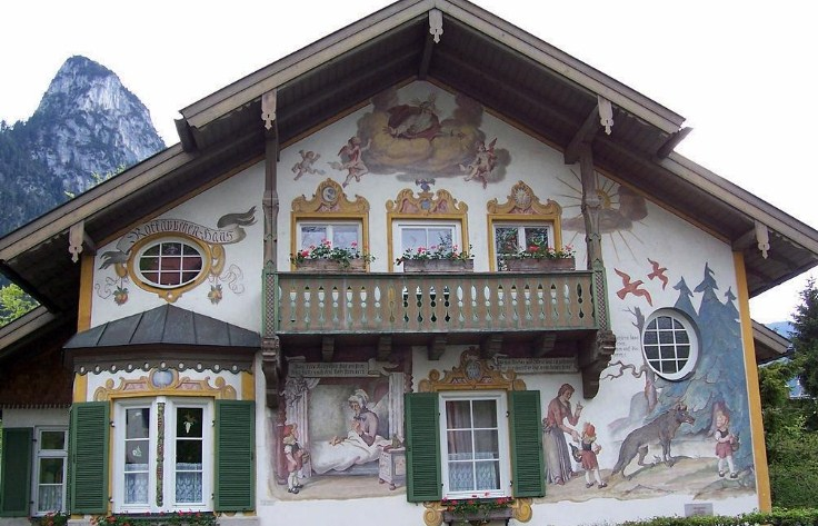 роспись деревянного дома красками