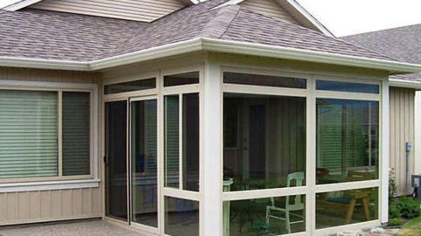 дом с металлопластиковыми окнами